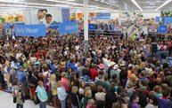 Luke Bryan at Wal-Mart 5