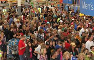 Luke Bryan at Wal-Mart 2
