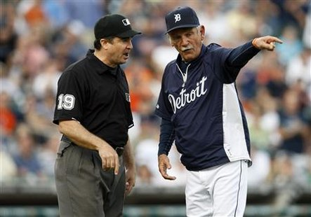 Detroit Tigers manager Leyland argues an officials call with first base umpire Rapuano during American League make-up baseball game against
