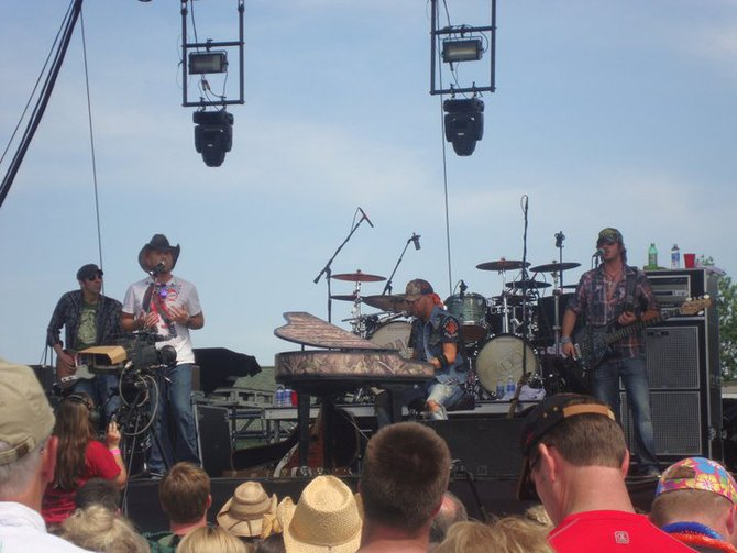 Moondance Jammin' Country 2011