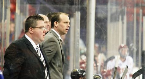 WMU Hockey coach Jeff Blashill coaching the Broncos in Green Bay, Wisconsin in the NCAA Tournament.