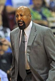 Atlanta Hawks head coach Mike Woodson shouts during the first half of Game 2 of their NBA Eastern Conference semi-finals basketball playoff series against Orlando Magic in Orlando, Florida May 6, 2010. REUTERS