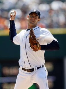 Detroit Tigers starting pitcher Rick Porcello throws to the New York Yankees during the first inning of their MLB American League baseball game in Detroit, Michigan May 5, 2011. REUTERS
