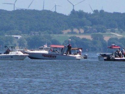 Fond du Lac County Sheriff's Department was the first on the scene of a plane crash Monday afternoon in Lake Winnebago.  (Photo courtesy of 1450 KFIZ)