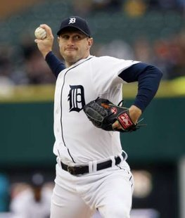 Detroit Tigers starting pitcher Max Scherzer throws to the Toronto Blue Jays during the first inning of their MLB American League baseball game in Detroit, Michigan May 16, 2011. REUTERS