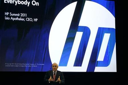 HP CEO Leo Apotheker delivers the keynote address at the HP Summit in San Francisco