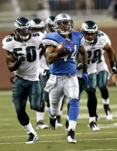Detroit Lions running back Jahvid Best runs for a touchdown against the Philadelphia Eagles during the first half of their NFL game in Detroit on September 19, 2010. REUTERS