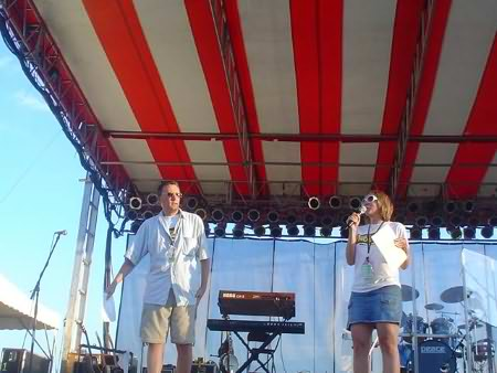 Lee Peek and Nikki Montgomery on stage at the WI Valley Fair 2006