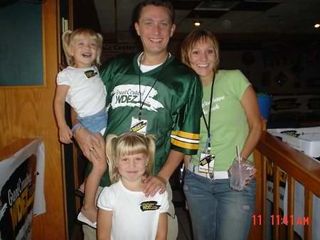 Lee Peek and Nikki Montgomery with Vanessa's girls 2005