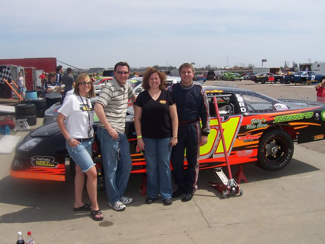 Lee Peek and Nikki with Wes Coon Racing 2007