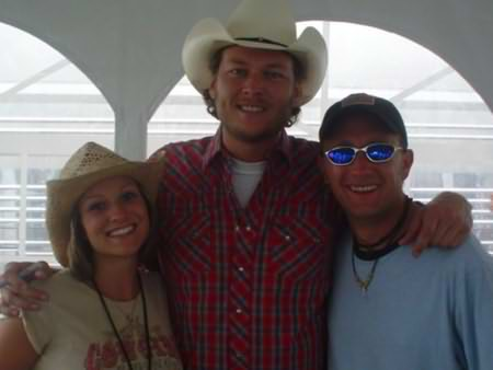 Lee Peek and Nikki Montgomery with Blake Shelton at Fuddfest 2006