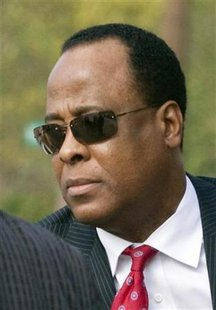 Dr. Conrad Murray arrives at the Armstrong Medical Clinic in Houston