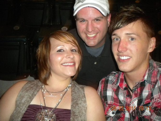 Jay Michaels met up with two MIX-FM Listeners at the Britney Spears concert!