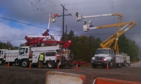 WPS crews working to restore power in Door County on Friday, September 30, 2011. (courtesy of FOX 11).