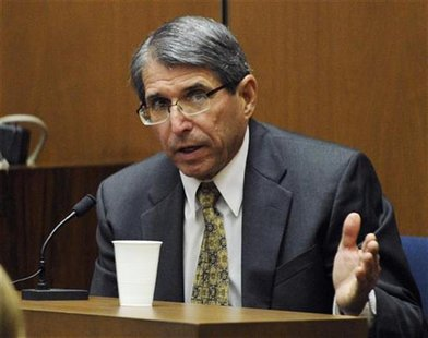 Defense witness Dr. Paul White testifies during Conrad Murray's defense at his trial in the death of Michael Jackson in Los Angeles