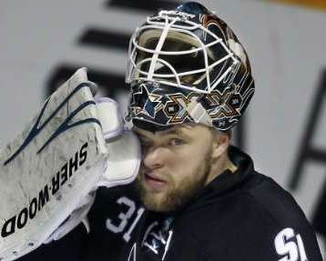 San Jose Sharks goalie Antti Niemi. REUTERS/Mike Blake