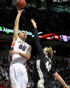Western Michigan's Matt Stainbrook (40) tries to block Gonzaga's Robert Sacre (00) in the first half of an NCAA college basketball game, Saturday, Nov. 26, 2011, in Spokane, Wash. Photo: Jed Conklin / AP