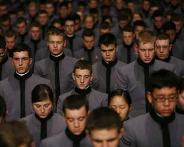 U.S. Army cadets bow their heads in prayer at U.S. Military Academy in West Point, New York. REUTERS/Shannon Stapleton