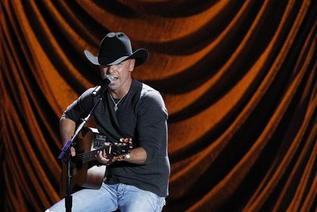 "Kenny Chesney performs during ""A Decade of Difference: A Concert Celebrating 10 Years of the William J. Clinton Foundation"" at the Hollywood"