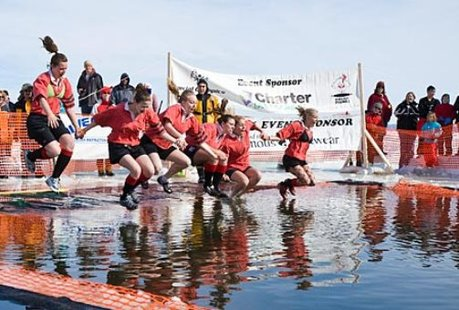 Jumpers at a polar plunge event