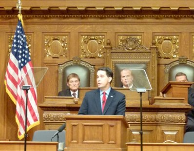 Governor Scott Walker delivers the State of the State address (photo: Wisconsin Radio Network)