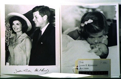 PHOTOS TO BE SOLD AT KENNEDY AUCTION