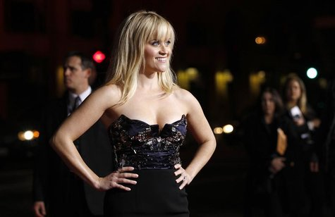 "Witherspoon poses at the premiere of ""This Means War"" at the Grauman's Chinese theatre in Hollywood"