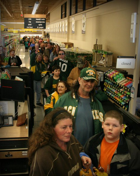 The short line to meet Mason Crosby