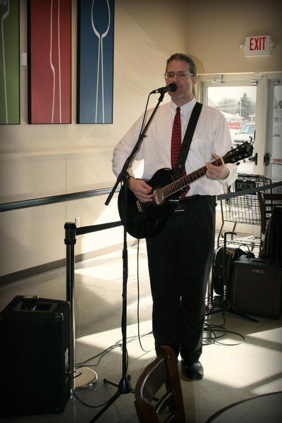 Live music in the cafe!
