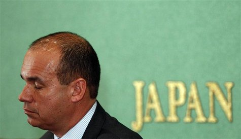 Former Olympus CEO Michael Woodford speaks during a news conference at the Japan National Press Club in Tokyo