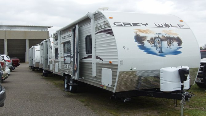 Plenty of nice campers to choose from, and just in time for summer!  ~TS