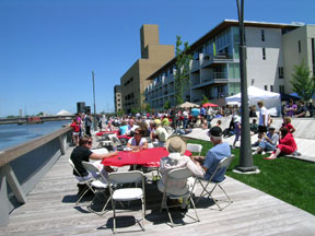 Dine on the Deck (photo courtesy of the City of Green Bay).