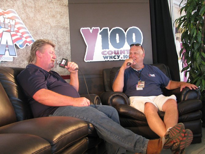 Bear interviewing Joe Diffie