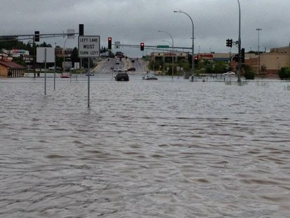 Flooding in Duluth, Minn. (Credit: Candace Larson photo submitted to FOX 11.)