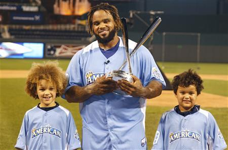 Detroit Tigers slugger Prince Fielder with sons after winning 2012 Home Run Derby
