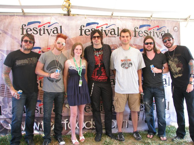 Hinder Meet and Greet