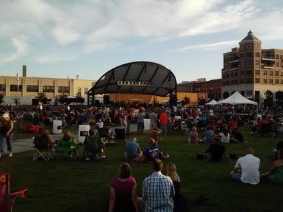 The weather cooled off and everyone is waiting for Josh Gracin to heat up the 400 Block in Wausau, WI.