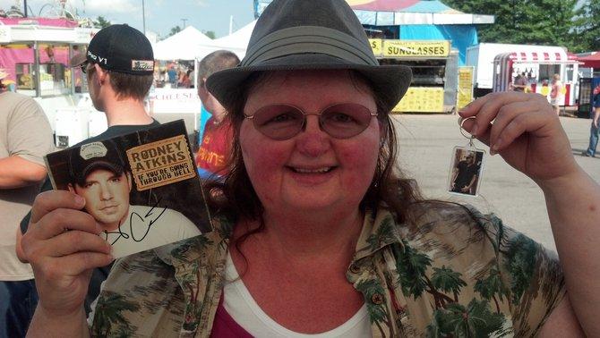 Rockin' Mama got Rodney Atkins' autograph