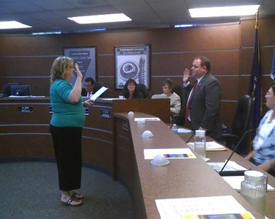 Robert Mielke sworn in as a new city council member at Wausau City Hall