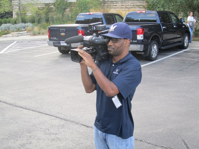 A picture of a cameraman. Not used to that, are you? :)