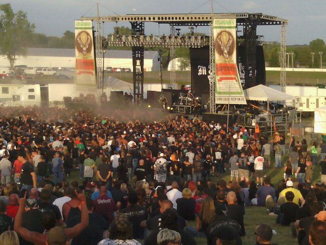 Listener Lonnie hit us up with some great KnotFest shots!
