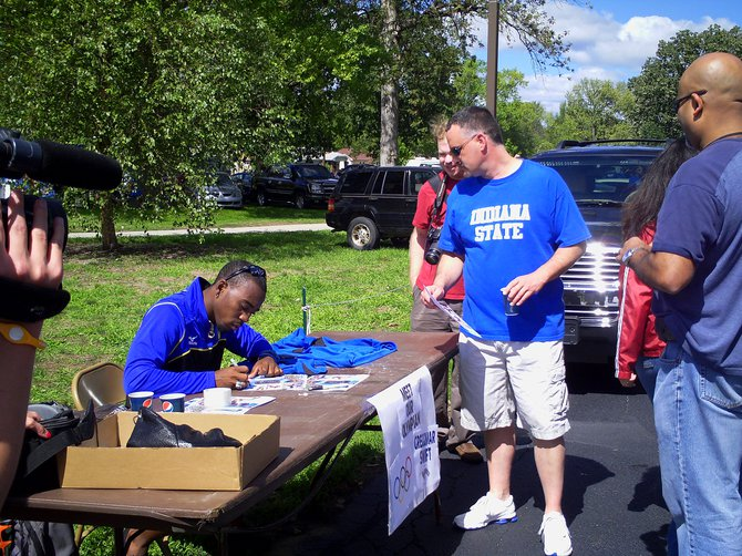 ISU Olympian athlete Greggmar Smith signing autographs