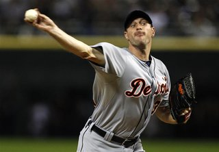 Detroit Tigers starting pitcher Max Scherzer throws a pitch in the first inning against the Chicago White Sox during their MLB baseball game