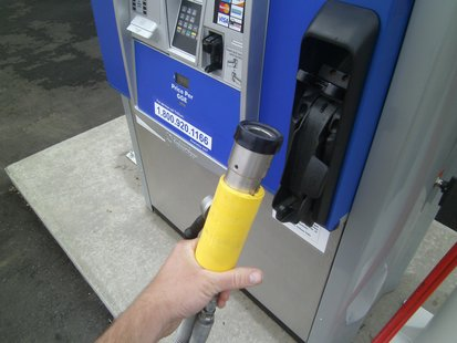 CNG (Compressed Natural Gas) vehicle fuel nozzle