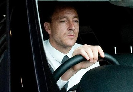 Chelsea soccer player John Terry leaves a Football Association hearing at Wembley stadium in London September 25, 2012. REUTERS/Stringer