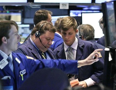 Traders work on the floor of the New York Stock Exchange September 18, 2012. REUTERS/Brendan McDermid