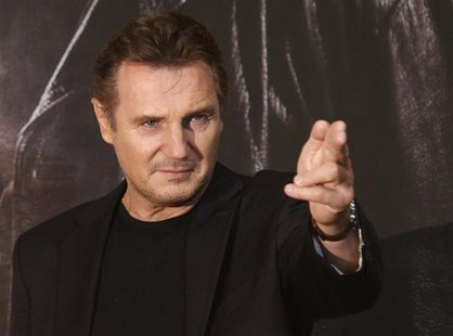 "Actor Liam Neeson poses before a news conference to promote his movie, ""Taken 2"" in Seoul September 17, 2012. REUTERS/Kim Hong-Ji (SOUTH KOR"