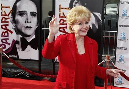 "Actress Debbie Reynolds arrives at the world premiere of the 40th anniversary restoration of the film ""Cabaret"" during the opening night gal"
