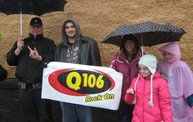 Q106 at Buffalo Wild Wings (10-13-12) 11