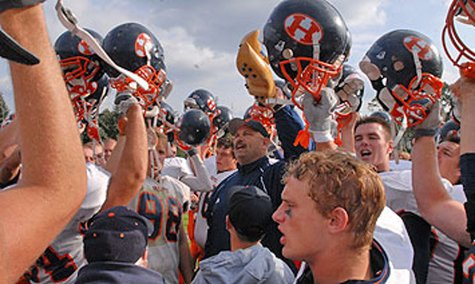 Hope College Coach Dean Kreps (C) reenacted this 2007 scene following another Flying Dutchmen win at Kalamazoo on Oct. 20, 2012, 30-7. (photo courtesy Hope College)